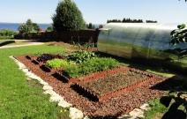 Оформление огородной части участка.